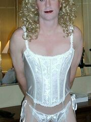 Transvestites wearing maids dress photos Crossdresser posing in beautiful lingerie gelery